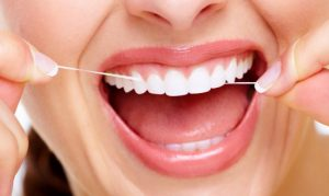 Чистка зубов для гигиены полости рта